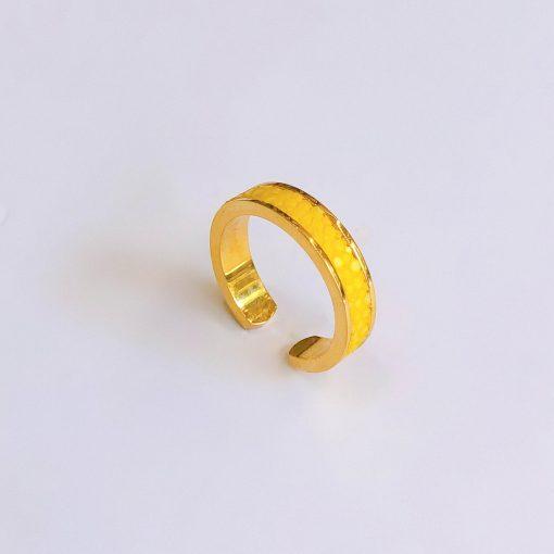 nhẫn phong thủy màu vàng