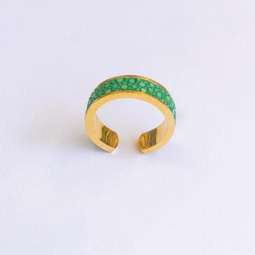 nhẫn phong thủy màu xanh lá